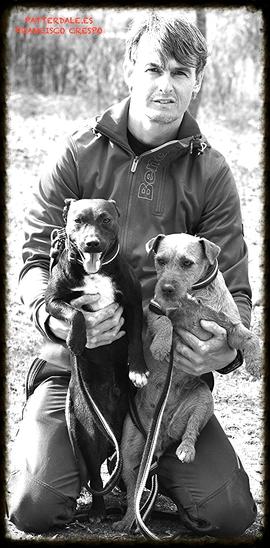 FRANCISCO CRESPO,MURZY Y PLUMA(patterdale terrier)